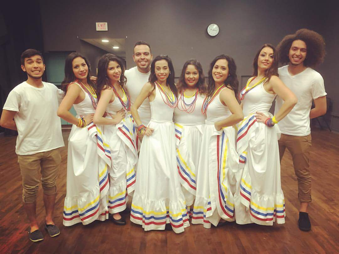 2016-06-folk-dance-group